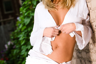 Adrianna Kroplewska naked pics
