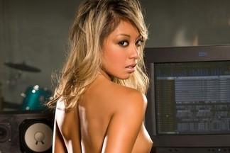 Ryen de Leon sexy pictures