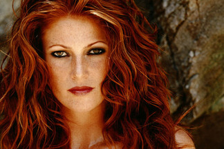 Angie Everhart nude pics