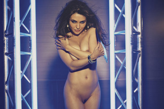 Natalie Loren hot pics