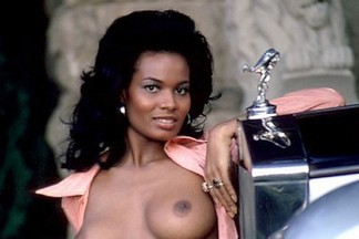 Julie Woodson naked pics