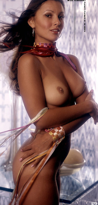 Laura Lyons nude photos