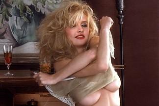 Karen Foster naked pictures