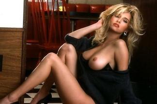 Karen Foster nude photos