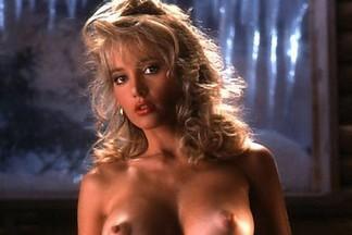 Suzi Simpson hot pictures