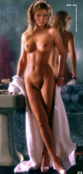 Carmen Berg hot pictures