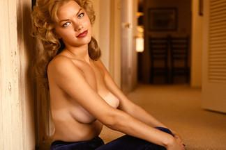 Ellen Stratton nude photos