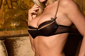 Daniella Bae naked photos