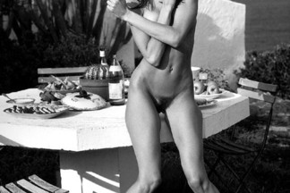 Stephanie Seymour nude pics