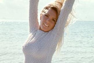 Carol Vitale hot pics