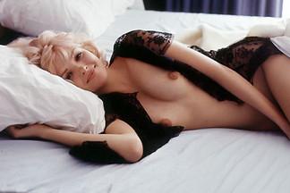 Dinah Willis sexy photos