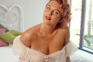 Lynn Turner nude pics