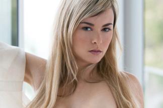 Elizabeth Jean nude photos