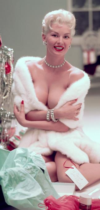 Janet Pilgrim nude pictures