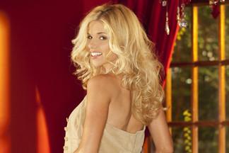 Stefanie Jennifer sexy photos