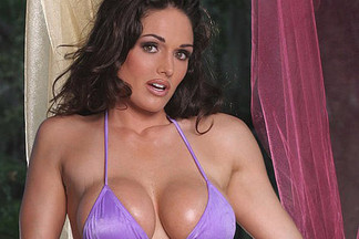 Kellie Maines sexy pictures