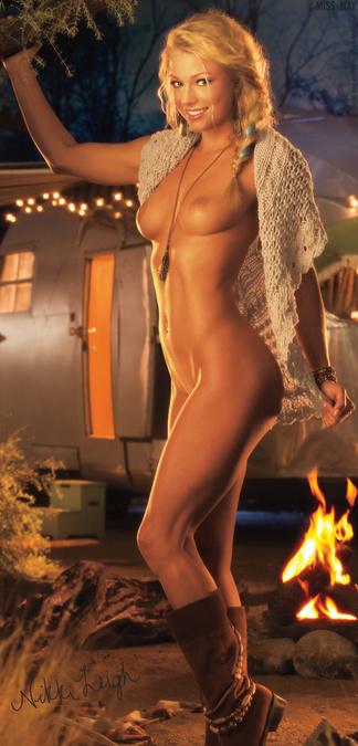 Nikki Leigh hot photos