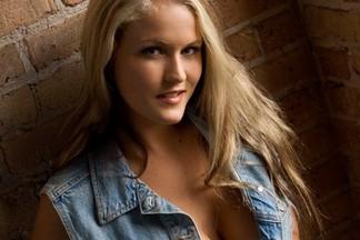 Michelle Moore hot photos