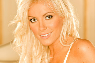 Crystal Harris beautiful pics