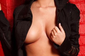Nikki Mitchell sexy pictures