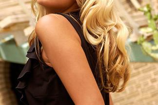 Hollie Winnard hot pictures