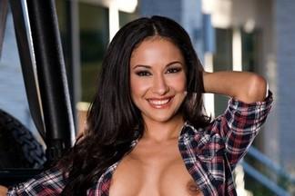 Sandy Garza sexy pics