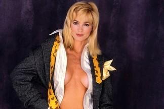 Janet Jones hot pics
