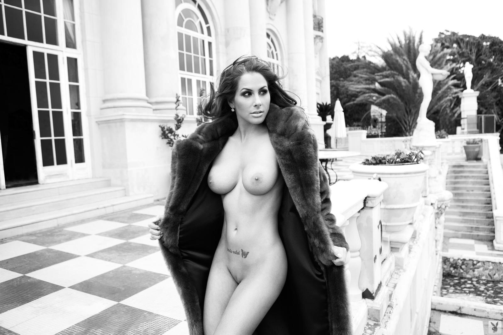 Nude pics of michelle mccool