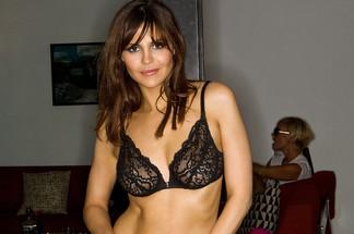 Suzy McCoppin sexy photos