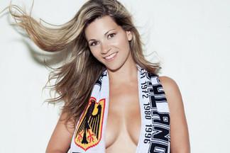 Marie Larson nude photos