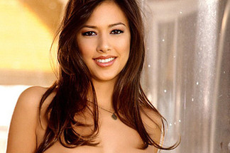 Reagan Yun naked pics