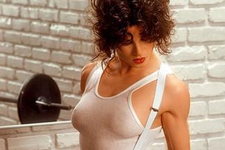 Lisa Lyon naked pics
