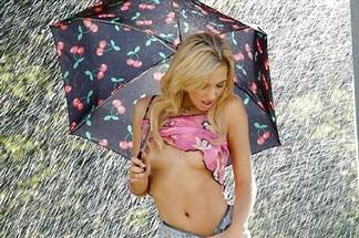 Sophia Knight hot photos