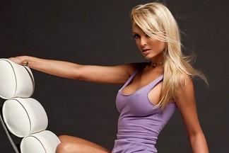 Shera Bechard sexy photos