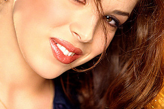 Olivia Hammil sexy pics