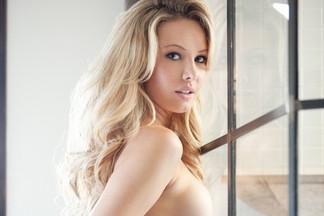 Tiffany Toth sexy photos