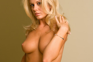 Karin Noelle hot pictures