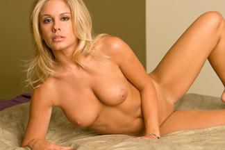Karin Noelle sexy pics