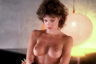Jeana Tomasino sexy photos