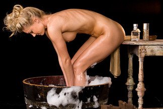 Kelly Carrington sexy photos