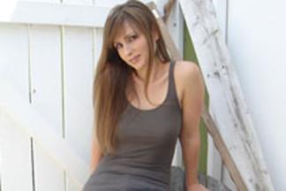 Deanna Brooks hot photos