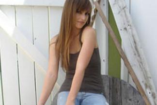 Deanna Brooks nude photos