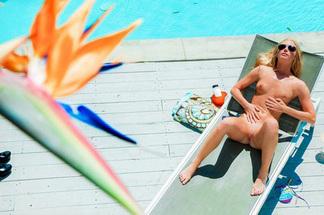 Sexy Sunbathing - Stacy Aaron