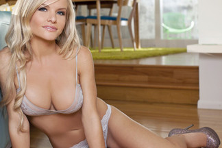 Lindsey Knight nude photos