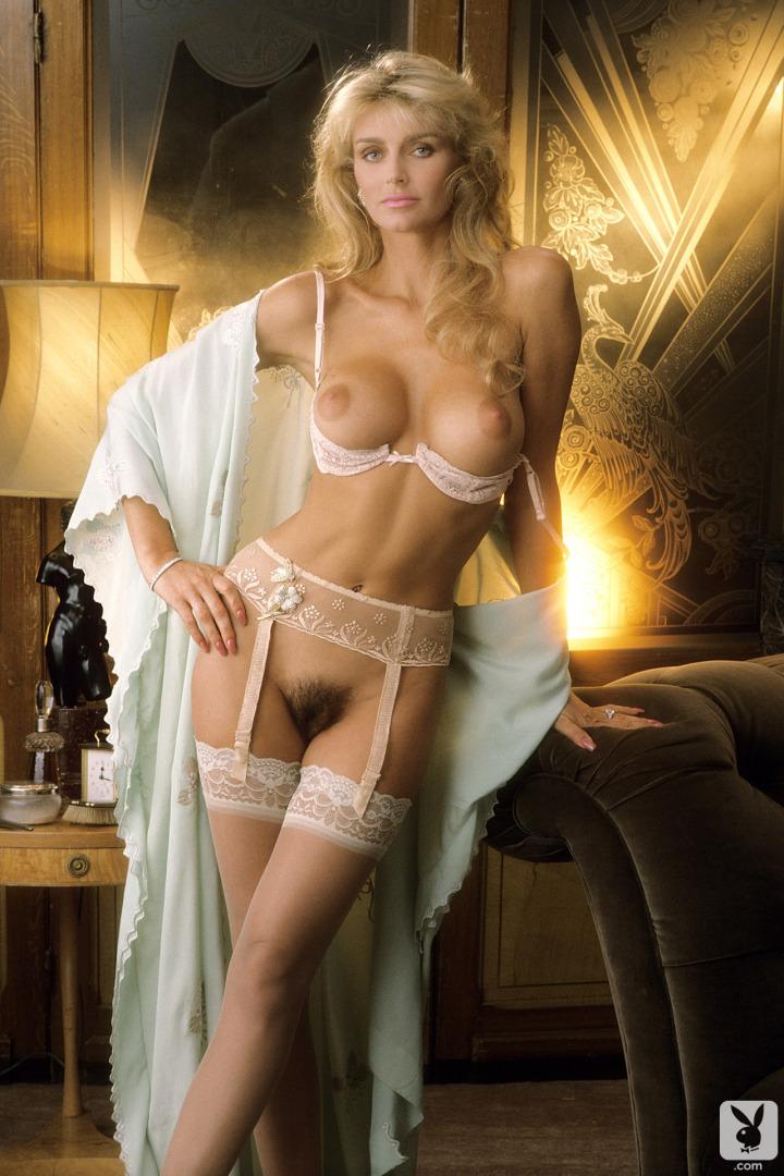beautiful nude women model