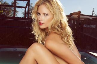 Lauren McKnight naked pictures