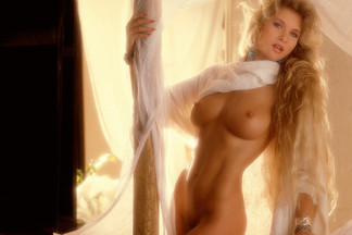 Susie Owens nude pictures