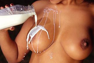 Suzi Simpson nude pics