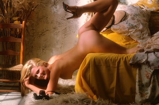 Debra Jo Fondren playboy