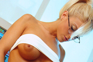 Dita Von Teese, Anna Rose Chang, Amy Miller nude pics